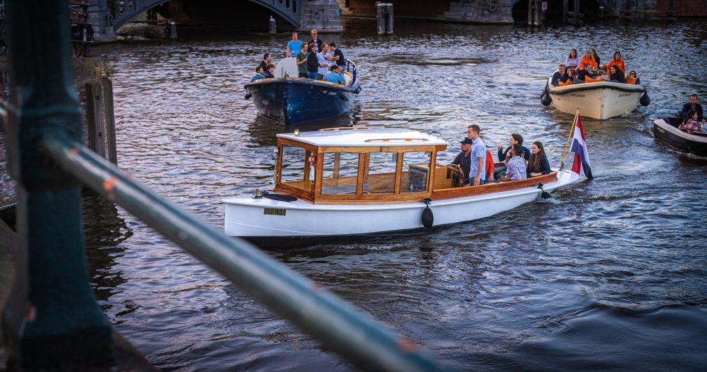 rent a boat amsterdam